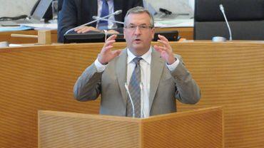 Pierre-Yves Jeholet, chef du groupe MR au parlement de Wallonie, veut une Belgique à quatre régions et un Etat fédéral