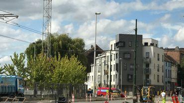 Le projet « L'Ecluse » est le premier CLT habité en Belgique et même sur le continuent européen. Il se trouve à Molenbeek, le long du Canal.