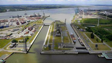 Vue aérienne d'une partie du port d'Anvers