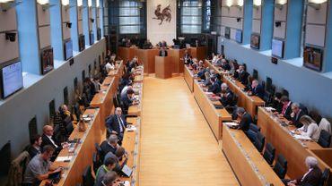 CETA: le parlement wallon délègue