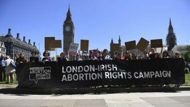 grande bretagne les nord irlandaises pourront se faire avorter gratuitement. Black Bedroom Furniture Sets. Home Design Ideas