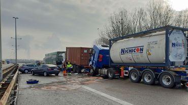 La collision en chaîne a tué une personne