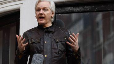 Julian Assange sur le balcon de l'ambassade d'Equateur à Londres en mai 2017.