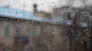 Il n'arrête pas de pleuvoir... Pourtant, le niveau des nappes phréatiques est plus bas que la normale. Comment est-ce possible?