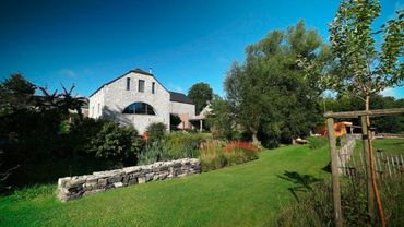 Belle rénovation d'une maison en pierres du pays