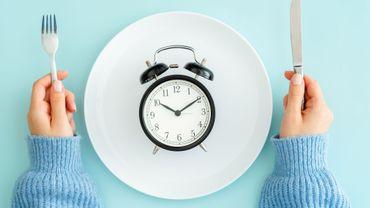 Jeûner par intermittence pourrait contribuer à prolonger l'espérance de vie.