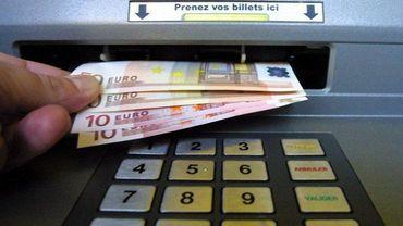 Le 01er avril, l'unique agence bancaire présente sur la commune de Cerfontaine va fermer. Conséquence : le seul distributeur de billets sera supprimé (illustration).