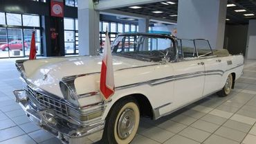 Une réplique de la Ford Lincoln dans laquelle John Fitzgerald Kennedy a été assassiné en 1963