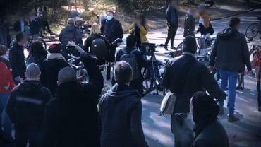 Une équipe de la RTBF prise à partie par des manifestants, au Bois de la Cambre, le 20 mars dernier