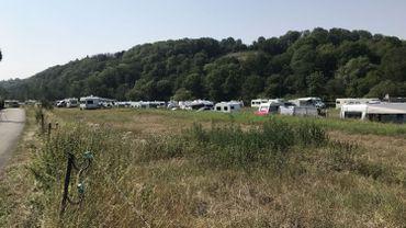 """Des caravanes bien alignées, des branchements électriques aux normes: un camp """"bien tenu"""""""