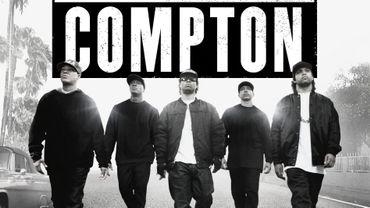 """""""Straight Outta Compton"""" narre les débuts des stars du hip hop Dr Dre et Ice Cube au sein du groupe NWA."""