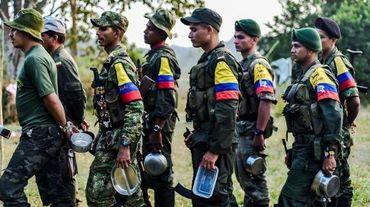 Des membres des Forces armées révolutionnaires de Colombie (FARC), dans un camp dans la région de Magdalene Media dans l'Etat colombien Antioquia le 18 février 2016