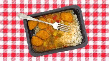 Les aliments à risque comprennent notamment les plats surgelés