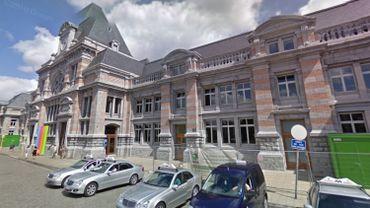 La gare de Tournai a été évacuée après une alerte à la bombe.