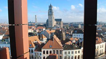 Un drone scannera en 3D le beffroi de Bruges en vue de sa restauration
