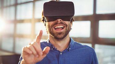 Est-ce qu'un tapis connecté pourrait permettre aux personnes coiffées d'un casque de réalité virtuelle de cogner des objets ou de trop s'éloigner?