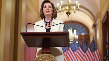 """La présidente démocrate de la Chambre des représentants, Nancy Pelosi a demandé aux dirigeants du Congrès de rédiger l'acte d'accusation contre Trump, soulignant que son abus de pouvoir à des fins politiques """"ne nous laisse d'autre choix que d'agir""""."""