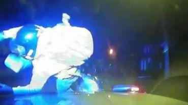 """La """"méthode choc"""" de la police anglaise pour arrêter les voleurs de motos"""