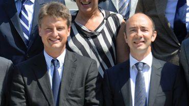 Olivier Chastel et Rudy Demotte sont en colère l'un sur l'autre.