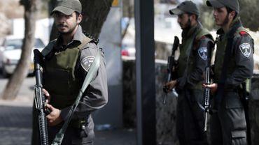Israël: Face aux attaques au couteau, les Israéliens s'arment