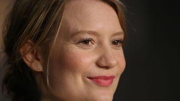 """Mia Wasikowska dans la peau d'une call-girl dans """"Piercing"""""""