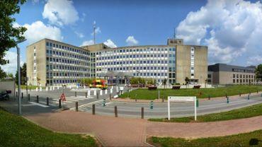 La clinique St-Pierre d'Ottignies propose un calculateur en ligne qui permet au patient d'estimer au préalable le coût de son séjour hospitalier.