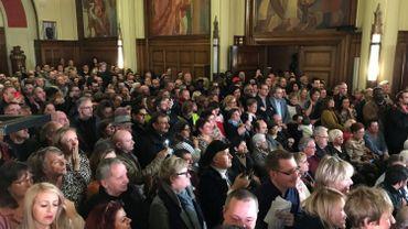 Une foule importante a assisté à l'installation du nouveau conseil communal carolo