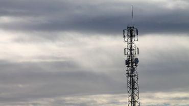 Les ondes émises par les antennes gsm sont controversées