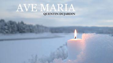 Quentin Dujardin sort un single souvenir de ses 5 minutes de concert dans une église à Crupet