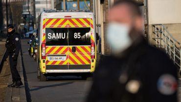 Coronavirus : en France 365 décès en 24 heures dont une jeune fille de 16 ans