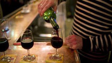 Les gens intelligents boivent-ils plus d'alcool que les gens stupides?