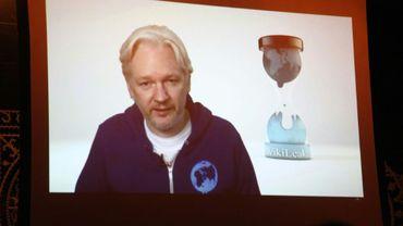 Julian Assange dans un message vidéo depuis l'ambassade d'Equateur en Grande-Bretagne, photo prise à New York le 1er novembre 2013