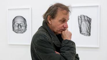 Michel Houellebecq fait de son bulletin de santé une installation artistique