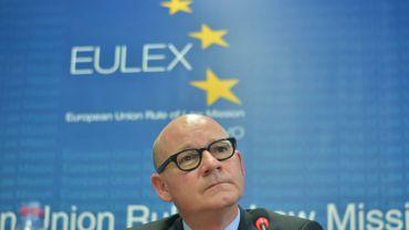 Le chef de la mission Eulex au Kosovo, Gabriel Maucchi, a annoncé qu'une enquête était en cours pour voir si les accusations de corruption sur trois membres haut placés de la mission étaient fondées