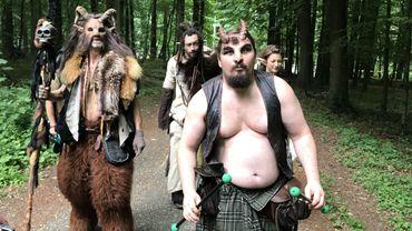 Les trolls de Trollandia ont envahi le bois de Halle. Ils n'ont pas de problème linguistique. Ils parlent troll.