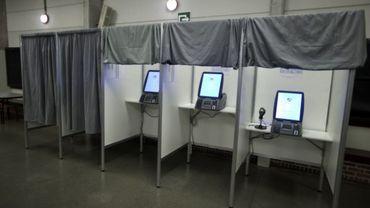 Vote électronique: des communes refusent toujours de payer la facture de 2012
