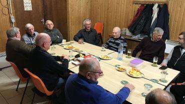 Le vendredi matin, les anciens travailleurs de l'ALE passent la matinée ensemble et refont le monde.