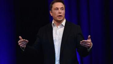 L'homme d'affaires Elon Musk, fondateur de Tesla et de SpaceX s'adresse au public lors d'un salon spécialisé dansl'aéronautique le 29 septembre 2017 à Adelaïde (Australie)