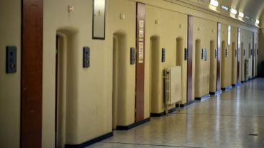 Feu vert pour le service minimum dans les prisons à la Chambre