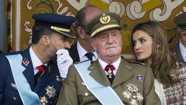 La Roi Juan Carlos, avec le prince Felipe et son épouse