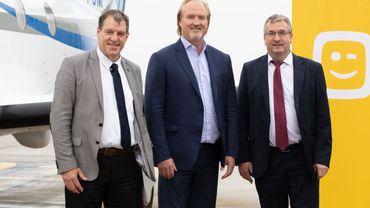 De g à dr: Jean-Jacques Cloquet, directeur BSCA, John Porter, CEO Télénet, et Pierre-Yves Jeholet (MR), Ministre de l'Economie et du Numérique