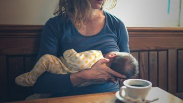 """Margaret : """" Quand j'allaitais mon bébé, on m'a dit """"Retire-le de là et donne-moi le sein!"""" ! """""""