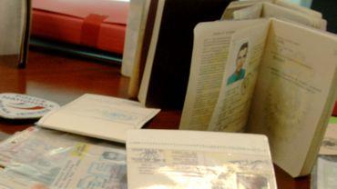 A 5.000 euros la fausse carte d'identité, les deux fonctionnaires avaient empoché quelque 200.000 euros (photo prétexte)