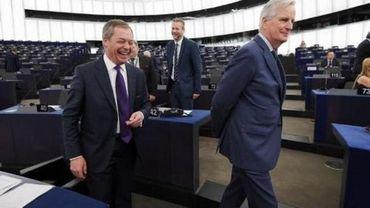 Un sondage au Royaume-Uni donne le Parti du Brexit de Nigel Farage favori aux européennes