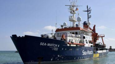 Des ONG accusent l'Italie de retarder une mission de sauvetage de migrants en Méditerranée