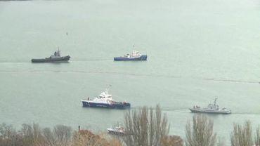 Navires ukrainiens remorqués par la marine russe vers l'Ukraine