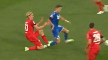 Bundesliga: Bornauw voit rouge pour s'être essuyé les crampons sur le mollet de Baumgartner
