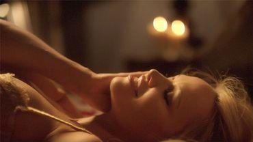 Pamela Anderson dans une campagne de la marque de lingerie sexy Coco de Mer