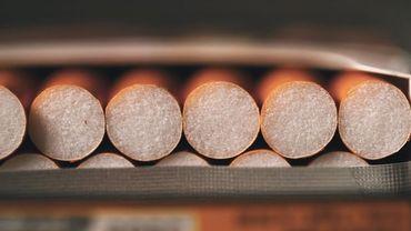 """Collection Les mensonges de l'histoire avec """"1953 - Tabac, l'industrie du mensonge"""""""