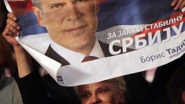 Le président serbe a démissionné pour mieux préparer les élections générales du 6 mai.